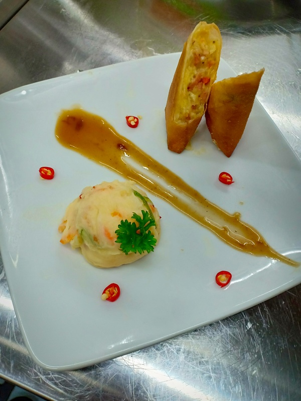 cheesy mashed potatoes spring roll