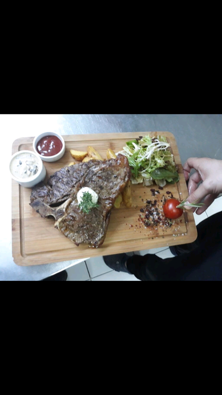 T-Bone Steak )
