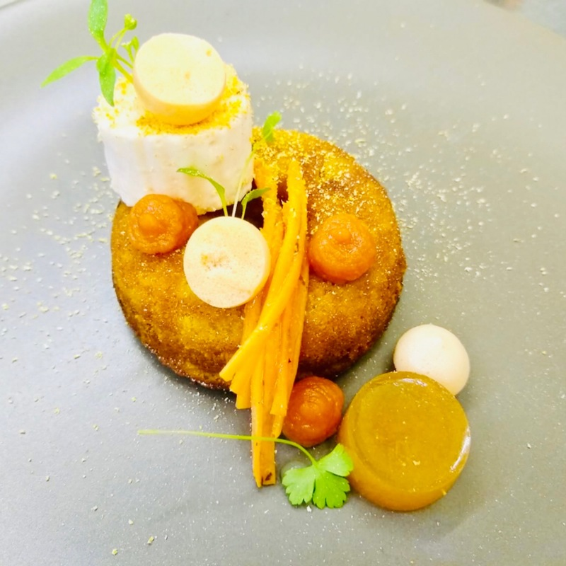 Vegetarian Dish with 7 preparations of Carrot: Cake, Marshmallow, Wine Gum, Cream, Meringue, Marinated, Foam. #vegetarian