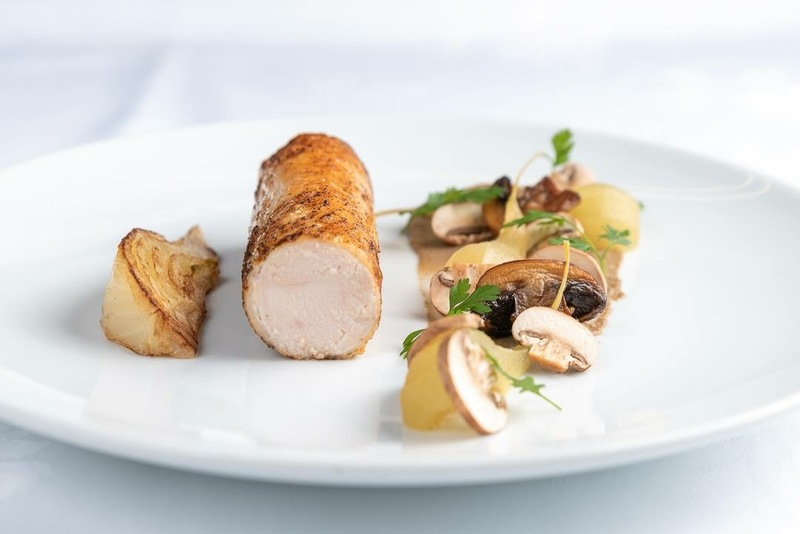 Chicken breast, braised fennel, mushrooms raw, roasted & purée.