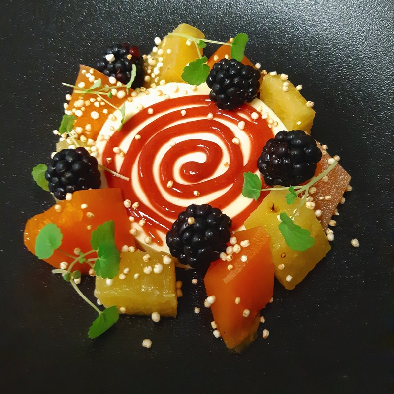 Limes pannacotta/ marinated fruitsalad