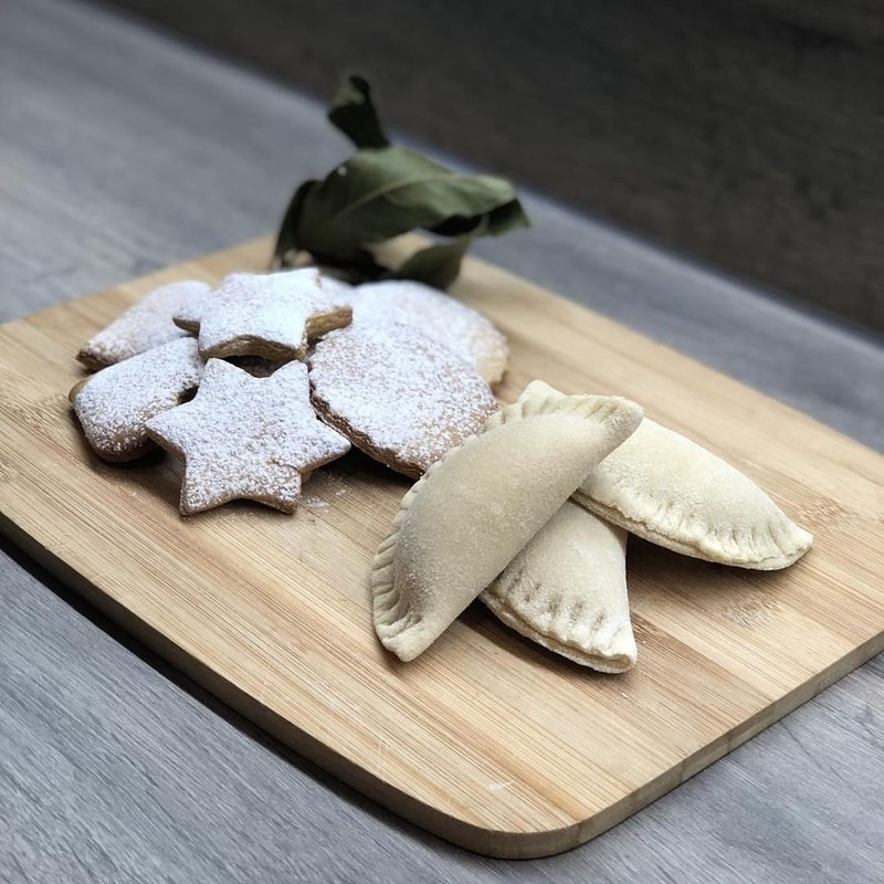 Gingerbread with pepper and sweet ravioli