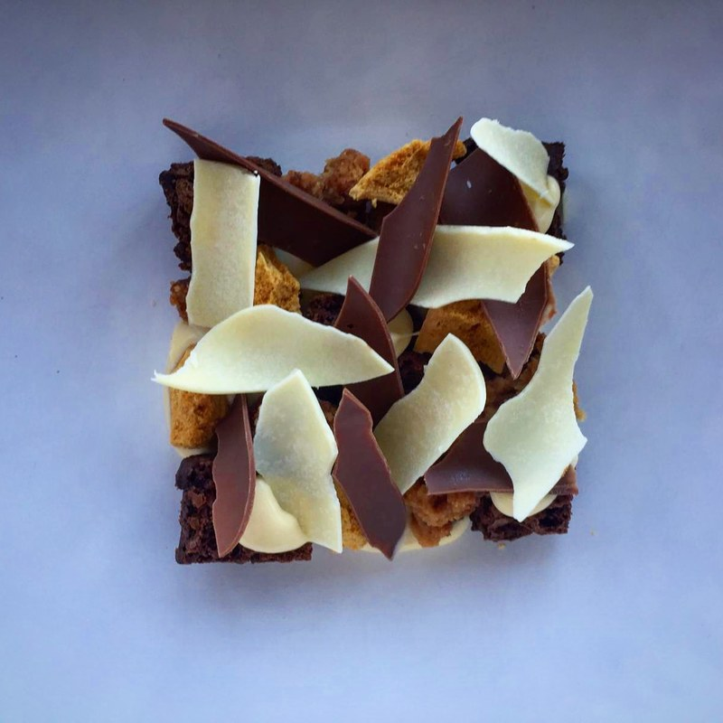 Chocolate brownie chunks | White chocolate custard | Malted caramel