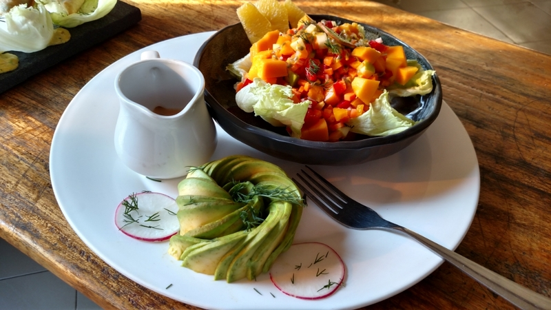 Did a mixed fruit  salad served with a dressing (athousand islands) ...