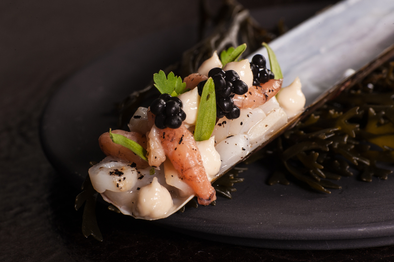 Razor clams, brown shrimps, taramosalata, sea weed emulsion