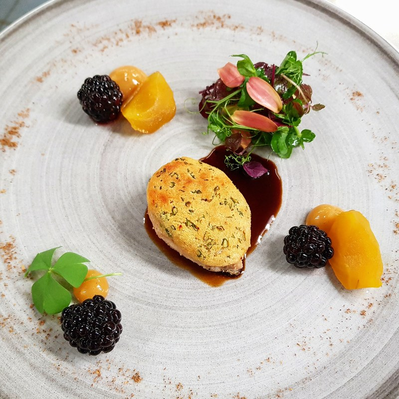 QUAIL BREAST & COMTÉ  CRUST :black_small_square: cassis blackberries :black_small_square: pickled yellow beetroot :black_small_square: quince gel
