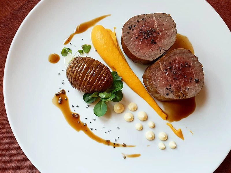 Chateaubriand•carrot puree•potato hasselback•horseradish-curd cheese mousse•beef jus•black salt...