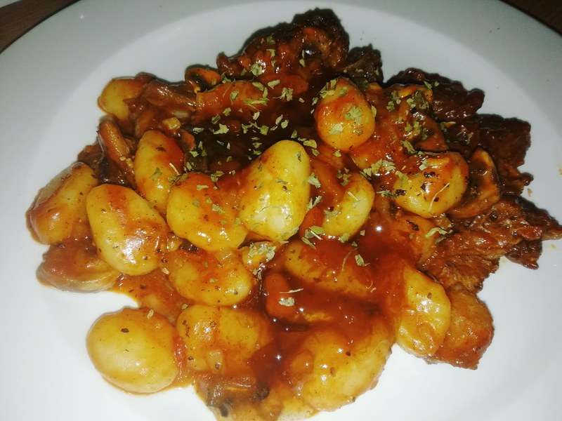 Gnocchi with beef stew