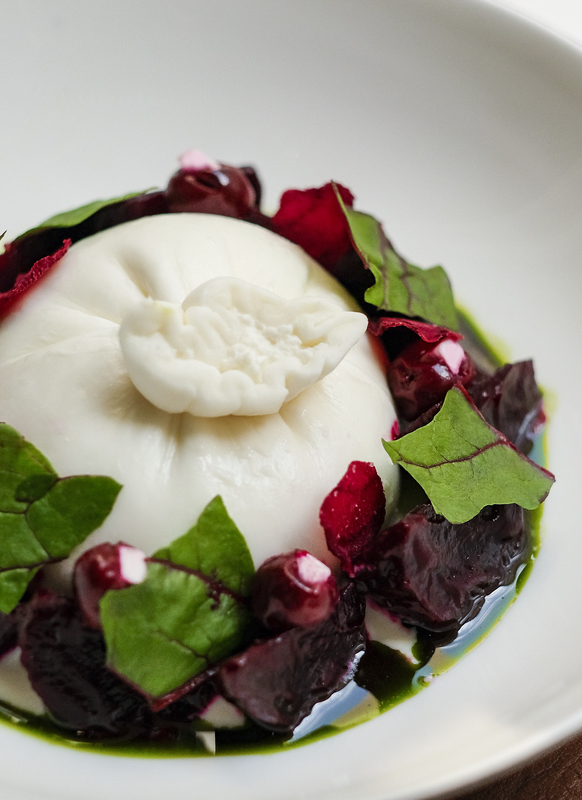 Beet, cherry, fett and buratta