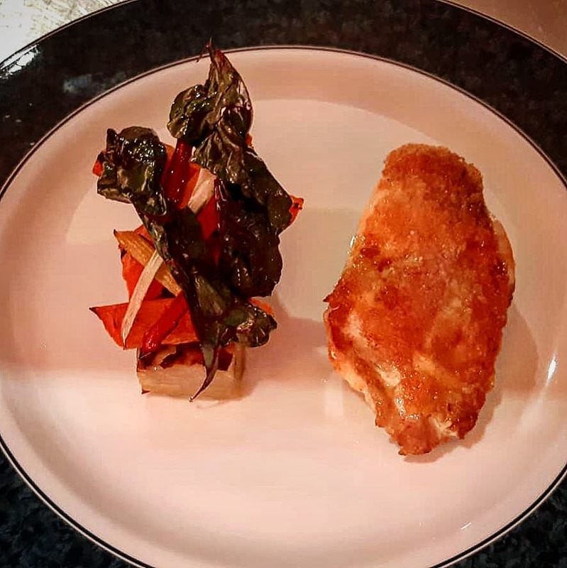 Roast corn fed chicken breast, pomme Anna, red chard, confit carrot, chicken jus @chefharrylumsdon