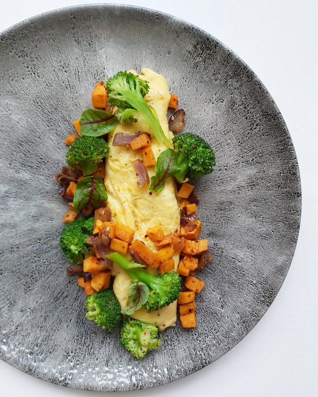 Basic 3 egg omelette, spicy sweet potato, coconut, red onion & broccoli