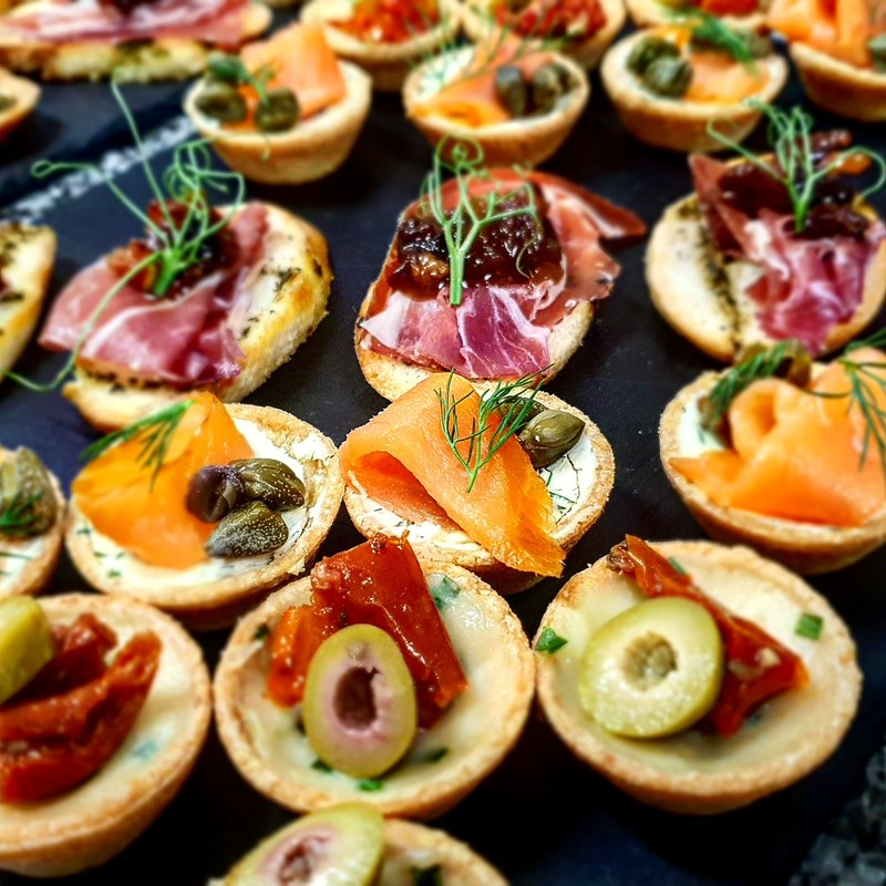 Canapes for parties  #canapes #marekjanichef #culinaryart #smokedsalomon #goatscheese #cureham #privateparty #petitfood