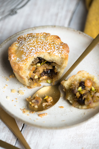 Fruit mince pies with pistachios and chestnuts
