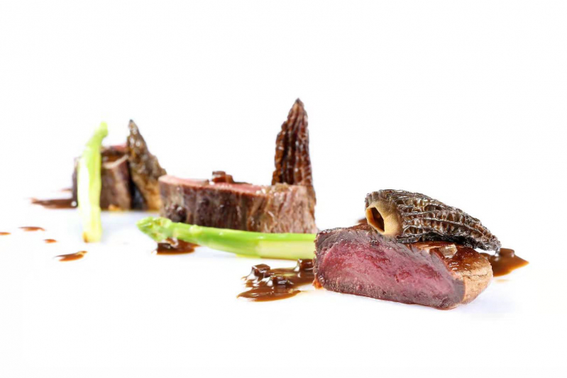 Wagyu beef / morels / red wine