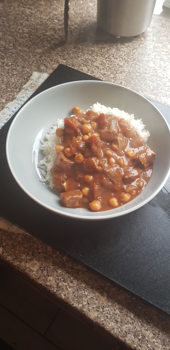 Isolation cooking : slow cooker Beef Goulash