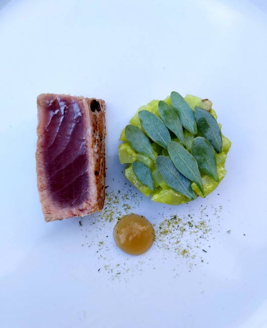 SEARED TUNA~WILD FENNEL & OYSTER POTATO SALAD~SEA PURSLANE~ALEXANDERS POLLEN~NOYAU