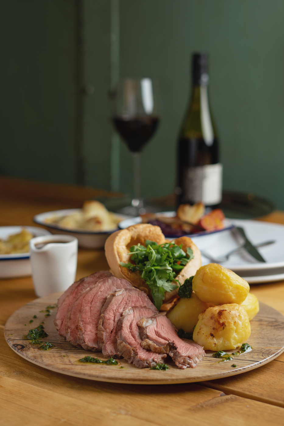 With new carvery social distancing measures in place we have designed a carvery lamb leg served at your table. To enquire please send an email to foodservice@alliancenz.co.uk and one of our team will be in touch☺️ (Photographer @jolro )
