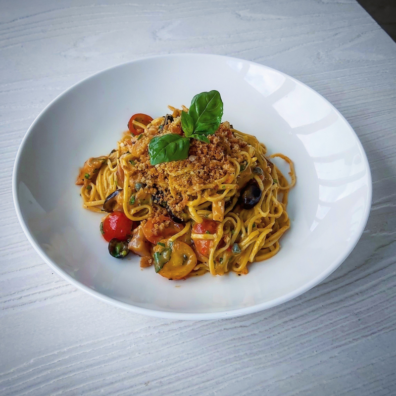 Spaghetti pasta, fresh tuna, puttanesca sauce, pangrattato. The combination of flavours on this one is a winner! On for this week only at Sienna's