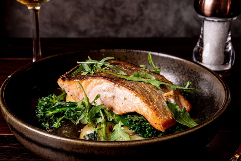 Pan fried salmon with sesame new potatoes, and chilli and garlic tender stem, soy dressing @thegriffiininn @foodatopia