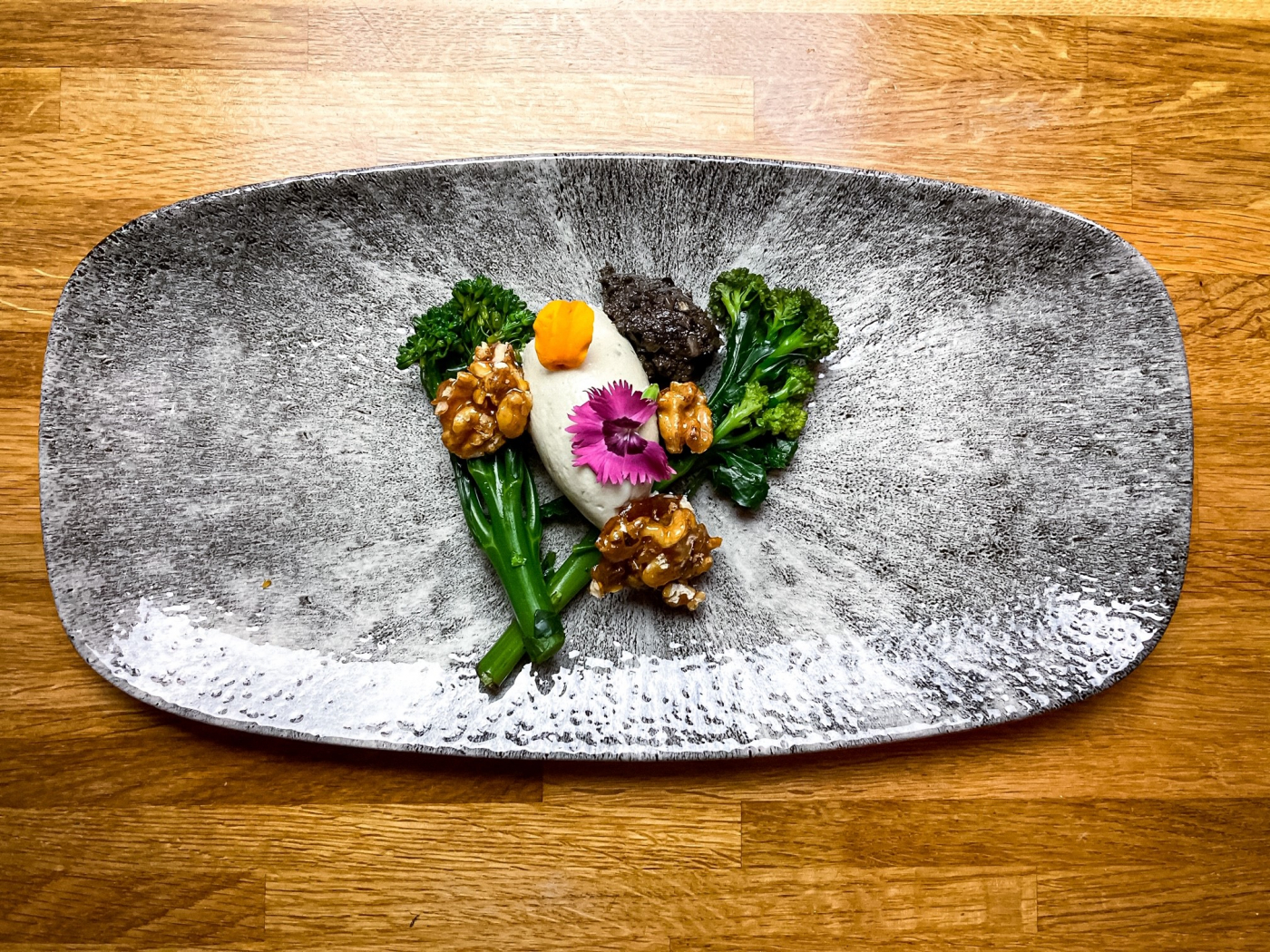 Crispy poached egg, tenderstem broccoli, roquefort mousse, candied walnuts, tapenade, lemon & basil dressing - 1