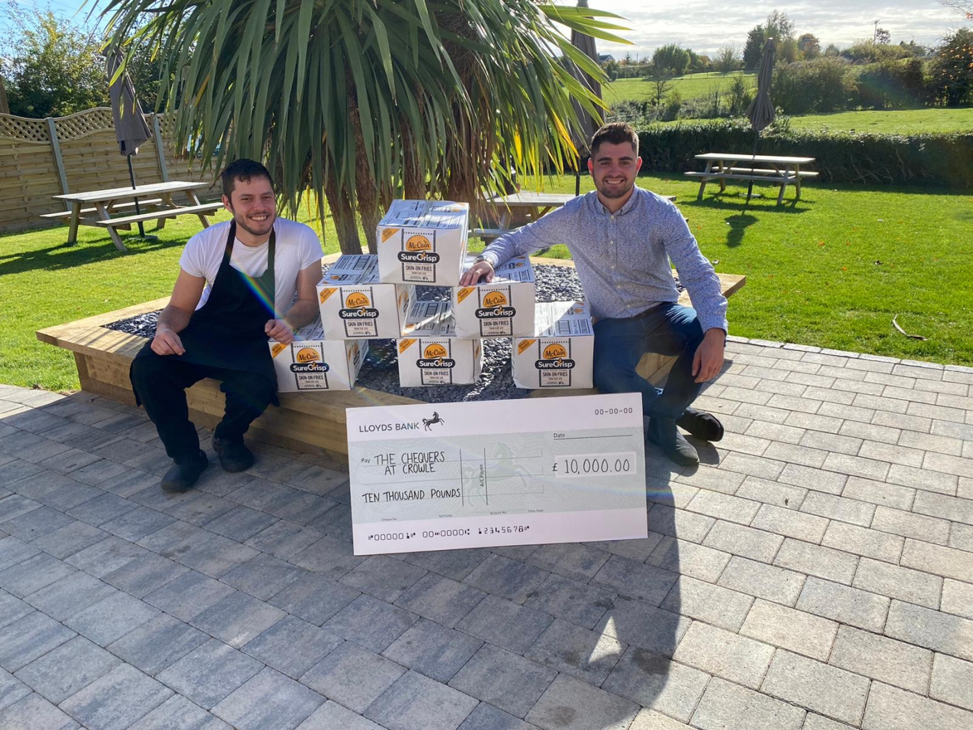 The Chequers at Crowle win £10,000 grand prize with McCain