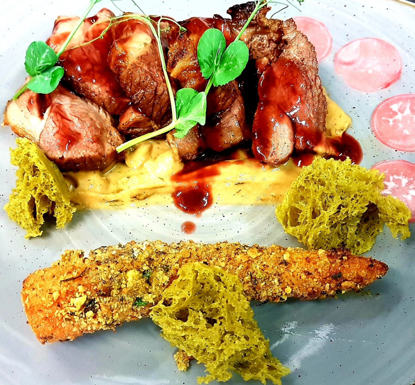 "Lamb and ""Moss"" - Lamb Rump, Onion Puree, Thyme and Rosemary Sponge, Pistachio crusted Confit Carrot , Pickled Radish , Port and Red Wine Jus"