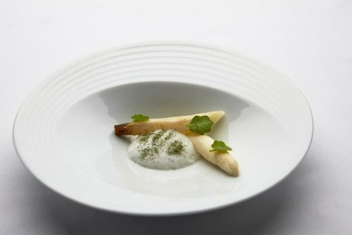 Asparagus Cooked Upright - Goats Milk, Fennel, Nasturtium (Photography Shane Rozario ©)
