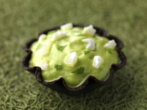 Pea and mint target with crysalised coconut