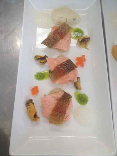 Sea trout,watercress oil,salmon roe,crisp skin,smoked mussel foam and scallop mousse