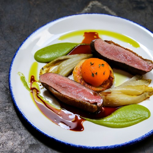 Roasted duck breast, fennel, apricot, thyme and honey @au_comptoir