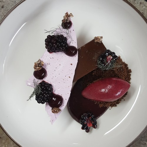 Pavé, blackcurrant, blackberries, bronze fennel
