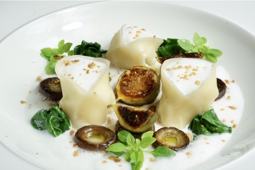 Goat cheese & pure honey filled pasta with chestnut mushroom, caramelised fig and truffle foam