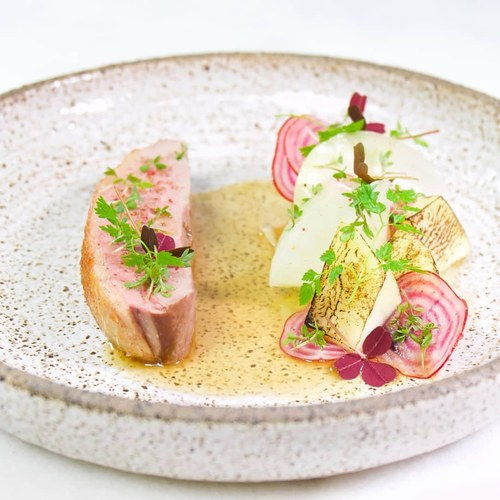 Pink is the new black! :sparkling_heart::black_heart::grin: Duck • kohlrabi • beetroot • chicken jus • chervil :herb: