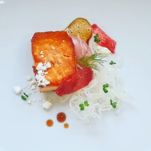 Salmon, vermicelli, beetroot, ponzu and walnut oil