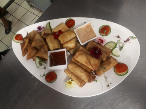 Ice tea savoury platter