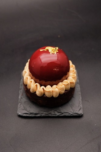 Pennywise (dark chocolate & salted caramel)
