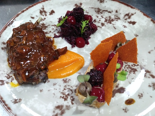 "Duck / red cabbage / ""strudel"" / pumpkin"