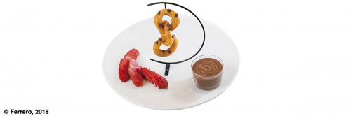 INTERLOCKING CHURROS WITH NUTELLA® AND STRAWBERRIES.jpeg