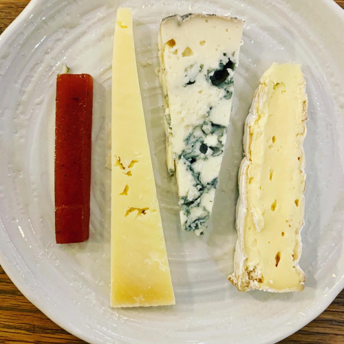 Simple cheese plate 👌