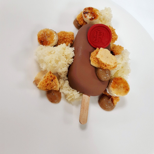 "#Callebaut milk chocolate & vanilla parfait, almond sponge, ""mileeven"" honeycomb, caramelised banana"