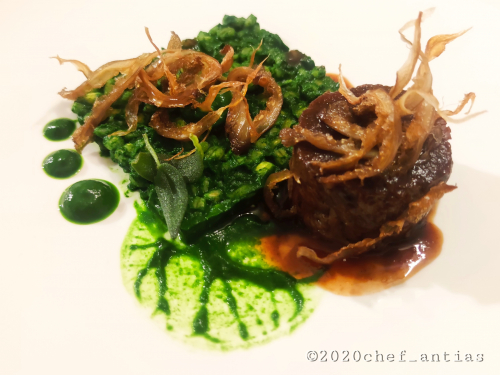 Slow cooked Shin of Beef, Pearl Barley risotto, sautéed Spinach purèe, crispy Oyster mushrooms, Red wine Jus.