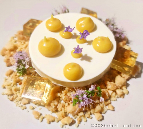 "Lavender Pannacotta, Almond crumble, yellow peach purèe, ""Laphroaig"" 10 years aged scotch whisky gelèe, Peppermint flowers."