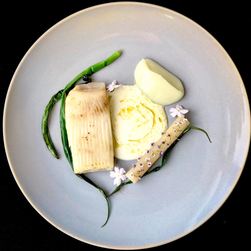 Grilled Skate/ steamed salsify/ Cauliflower puree / Grilled chives / Lemon beurre blanc with Nori oil
