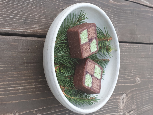 chocolate & pine battenburg