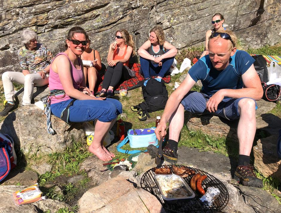 Turledersamling/LAT på Sotra med klatring grilling og bading