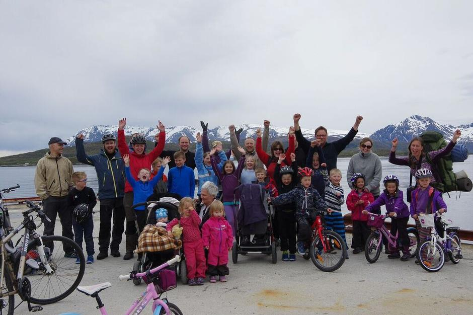 Barnas Turlag på sykkel- og telttur på Meløyvær