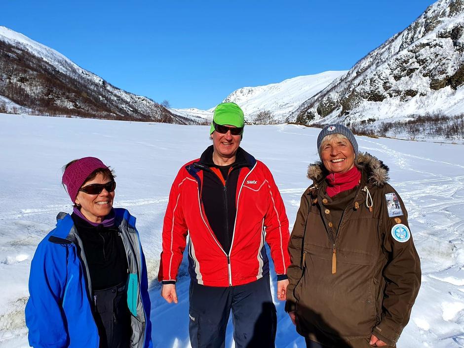 Gode hjelpere. Kirsti, Anders og Ellen Marie Ingulfsvann.