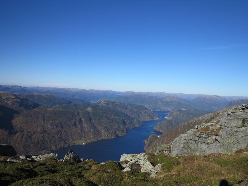 Utsikt nordover Veafjorden fra Fylenipa
