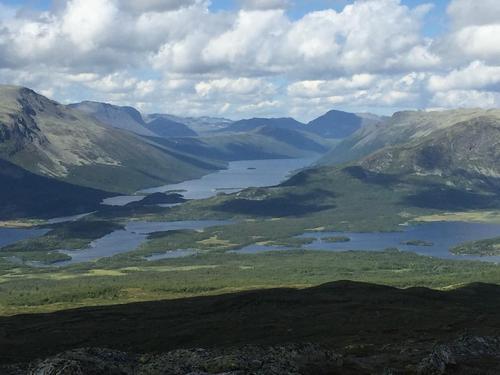 Utsikt fra Grønsenknippa mot Strø og Helin