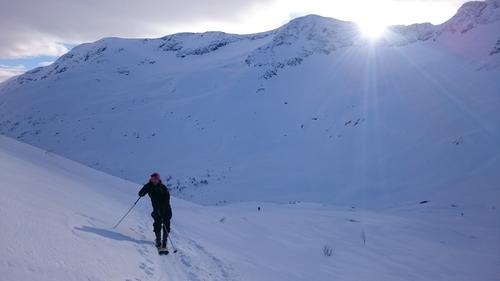 På vei opp Frudalshesten i Sogndal